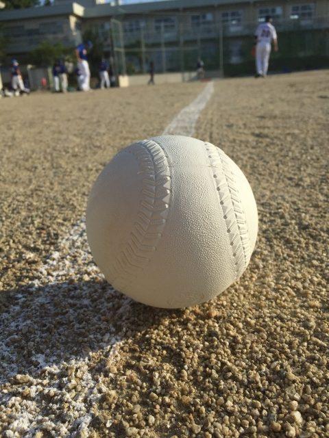 ソフトボールとグラウンド