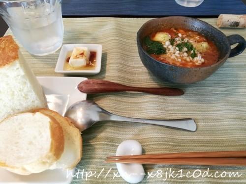 ニコモンドのランチ スープ&パン