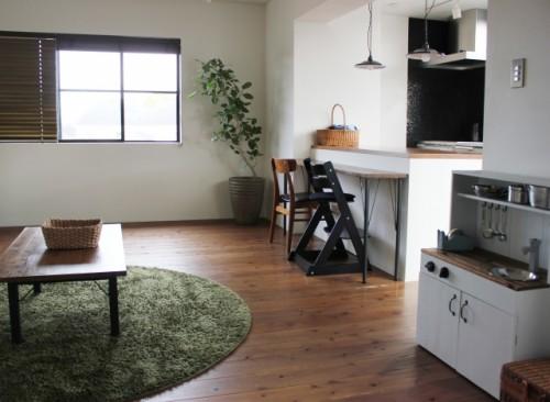 カフェスタイルの部屋の写真
