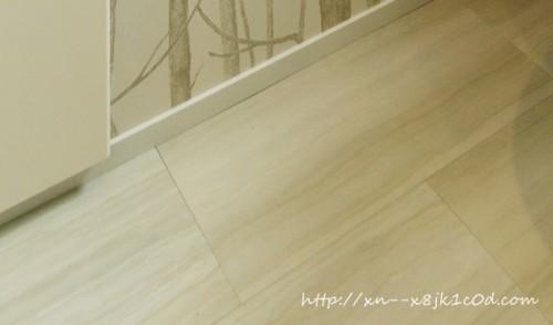 白い床の色
