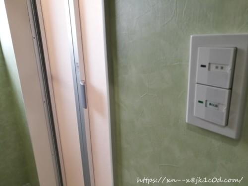 2階お風呂の扉